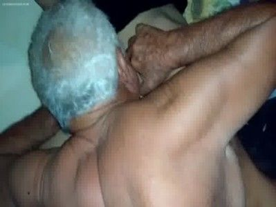 Velho aposentado pagou 50 reais pra foder com puta