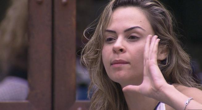 Ana Paula mostrou a buceta no BBB16