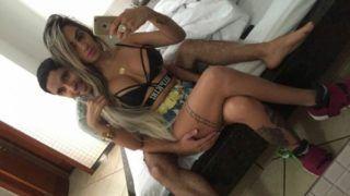Ostentando com puta gostosa de luxo no motel - http://kabinedasnovinhas.com