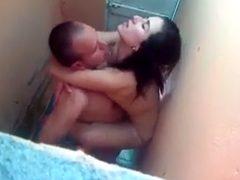 Amadora safada dando uma trepada no banheiro do bar - http://kabinedasnovinhas.com
