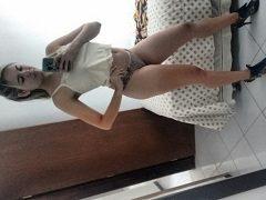 Raquel loirinha empinada tomando pica de quatro